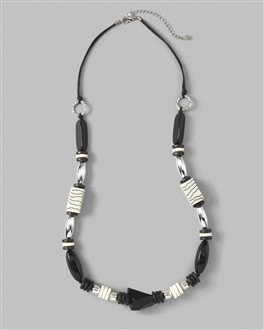 Seleta Long Necklace