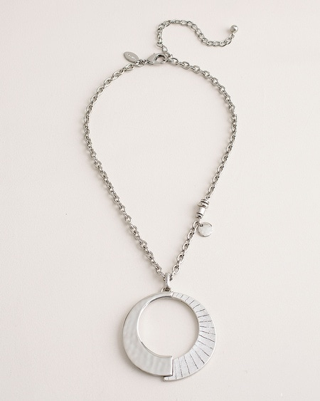 d388a3efdcca14 Short Hammered Etched Silver-Tone Pendant Necklace